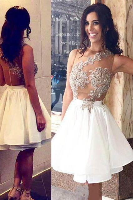 2017 A-line Halter Neck Sleeveless Sequins Appliqued Homecoming Dresses APD2619