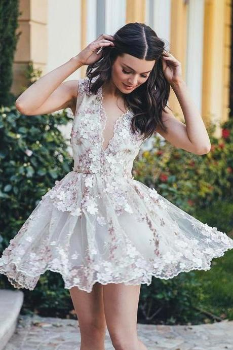 Romantic Lace V-neck Neckline A-line Homecoming Dresses With Flower HD180