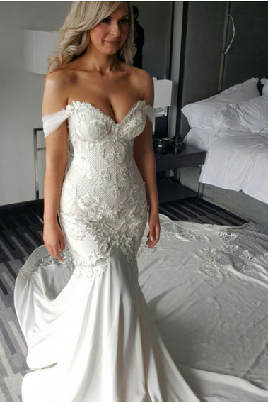 Fabulous Off-the-shoulder Neckline Mermaid Wedding Dresses WD185